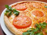 پیتزا گوجه فرنگی مارگاریتا