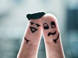 عکس بامزه نقاشی روی انگشت