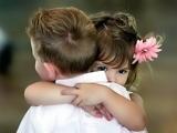 عاشقانه آغوش دختر و پسر