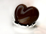 قلب شکلاتی و شیر