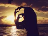 عکس عاشقانه در غروب ساحل