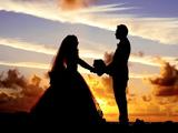 عکس عاشقانه عروس داماد در غروب