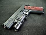 اسلحه کلت کمری با لیزر