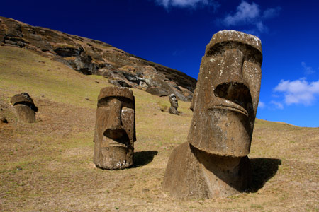 مجسمه موآی جزیره ایستر شیلی moai easter island