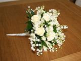 دسته گل رز عروس سفید