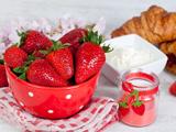عکس توت فرنگی خوشمزه و لذیذ