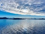 منظره تماشایی آسمان و دریای آرام