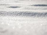 زمین پوشیده از برف زمستانی