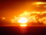 غروب زیبا آفتاب در دریا