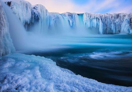 عکس آبشار یخ زده ایسلند frozen waterfall