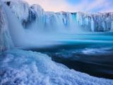 عکس آبشار یخ زده ایسلند