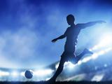 پوستر زیبا شوت توپ فوتبالیست