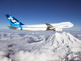 بوئینگ 747 بر فراز قله کوه
