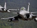مانور هوایی جنگنده فرانسوی