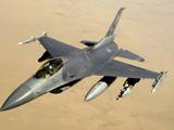 پرواز جنگنده اف 16 آسمان عراق
