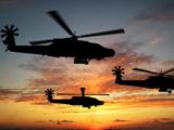 والپیپر هلیکوپترهای نظامی در غروب
