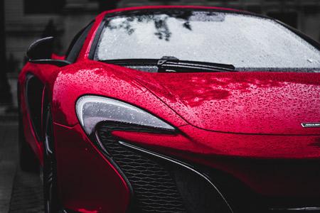 ماشین مک لارن قرمز 675 red mclaren 675