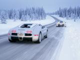 عکس ماشین بوگاتی در جاده برفی