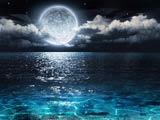 عکس دریای آرام در شب مهتابی